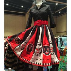 Folkwear Patter 256 At the Hop could be adapted to make this great look. Vintage Halloween Cards, Retro Halloween, Vintage Halloween Decorations, Halloween Fashion, Halloween Outfits, Halloween Costumes, Halloween Clothes, Halloween 2019, Halloween Stuff