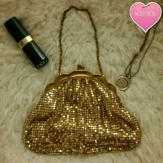 """Whiting & Davis Co Gold vintage evening purse Host Pick 8/19 Best in bags Vintage Whiting & Davis Co 1930's Vintage gold mesh purse.  In excellent condition.  Would make a great evening purse especially for a wedding . Measurements 6.5""""? 4.5"""".  I've seen almost this exact same bag sell for $140 on etsy and eBay.  *final price* Vintage Bags"""