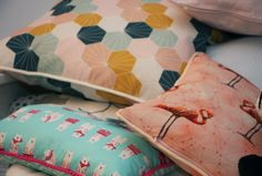 We are Sommerwies, a brand that produces and sells custom-made and prompt delivery cushion covers, eco wraps, decor items, and natural products for skin care and bath use. Cushion Covers Online, Handmade Cushion Covers, Handmade Cushions, Pallet Cooler, Geometric Decor, Decorative Items, Switzerland, Flamingo, Bed Pillows