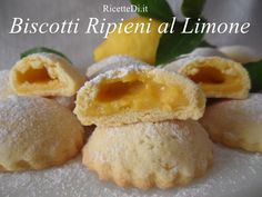 01_biscotti_ripieni_al_limone Best Italian Recipes, New Recipes, Drink Recipes, Nutella, Recipe Boards, Tea Cakes, Sweet Cakes, Cookie Desserts, Ricotta