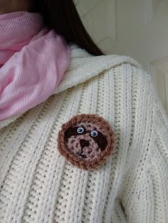 Sloth brooch Felt Animals, Crochet Animals, Cute Animals, Lovers Gift, Gift For Lover, Quirky Gifts, Unique Gifts, Cute Sloth, Acrylic Wool