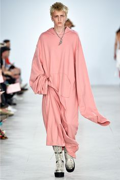 Xander Zhou Spring/Summer 2017 - OVERSIZED everywhere ....