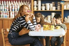 超模的另類減肥法?Gigi Hadid 公開自己的飲食習慣,餐單中竟有漢堡包、薯片和果汁? - POPBEE