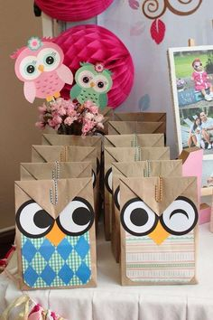 Fun favor bags at an owl birthday party! See more party ideas at… Owl Parties, Owl Birthday Parties, 2nd Birthday, Owl Themed Parties, Birthday Ideas, Birthday Celebration, Owl 1st Birthdays, Pochette Surprise, Baby Owls