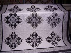 Black and White quilts are so elegant.