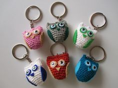 Naanan blogi: Virkattu pöllö ohje Easy Crochet, Hello Kitty, Miniatures, Personalized Items, Crafts, Easy Patterns, Granny Squares, Crocheting, Education