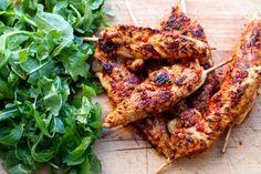 20 Minute Paleo Meals: Marjoram & Tomato Chicken Skewers  #EatDrinkPaleo