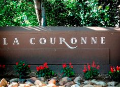 La Couronne is making really nice wines in Franschhoek. I visited in September 2016 and tried their 2015 Sauvignon Blanc, 2016 Unwooded Chardonnay, 2013 Portside Red (Merlot, Malbec, Petit Verdot, Cab Franc; excellent), 2015 Pinotage (also excellent), 2014 Cab Sauv, 2015 Barrel Fermented Chardonnay (very nice) and 2014 Malbec.