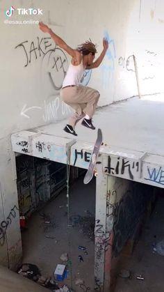 Beginner Skateboard, Skateboard Videos, Penny Skateboard, Skateboard Design, Skateboard Girl, Skate 3, Skate Bord, Skate Style, Skateboarding Photography
