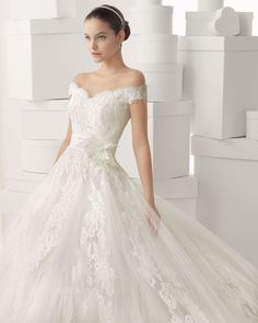 139 CARMINA - Lace and tulle dress with beaded body and crinkle chiff... - ROSA CLARA 2014