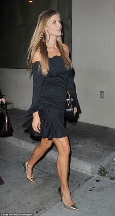 Dressed to party! On Friday night Real Housewives star Joanna Krupa bought the party to Los Angeles as she headed out for a night on the town with her girlfriends Joanna Kruppa, Hot High Heels, Pleated Mini Skirt, Russian Models, Real Housewives, Blonde Beauty, Fashion Company, Looking For Women, Gorgeous Women