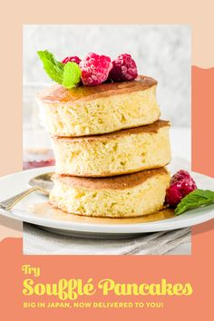 This ultra-fluffy hotcake taking cities everywhere by storm comes straight from Japan. Look out for it drizzled with sweet maple goodness. Breakfast Waffles, Best Breakfast, Breakfast Recipes, Dessert Recipes, Wow Recipe, Good Food, Yummy Food, Brunches, Sweet And Spicy