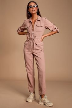 Utilitarian looks extra chic in the MINKPINK Work it Mauve Pink Boiler Jumpsuit! Sturdy cotton jumpsuit with a collared neckline, zip front and flap pockets. Rompers Dressy, Cute Rompers, Backless Jumpsuit, Cotton Jumpsuit, Boiler Suit, Blue V, Jumpsuits For Women, Outfits, Clothes
