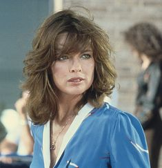 Linda Gray as Sue Ellen Ewing on Dallas. Always elegant and effortlessly gorgeous-LET'S NOT FORGET AN ALCHOLIC BACK THEN