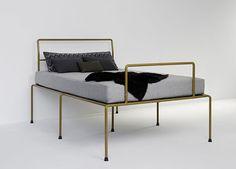 Sevenfeetup Bett (Bed) byAtelierHaußmann.