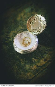 Rings | Photograph by Stefano Santucci Studio  | Real wedding