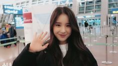 say hello to the heart you stole ♡ heejin South Korean Girls, Korean Girl Groups, Singing In The Rain, Olivia Hye, Pretty Baby, Mean Girls, Krystal, Kpop Girls, My Girl