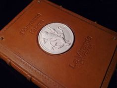 Гостевая книга для ресторана La Veranda — Делаем подарки — авторская студия подарков.  Книга ручной работы. Книга пожеланий под заказ в кожаном переплете.