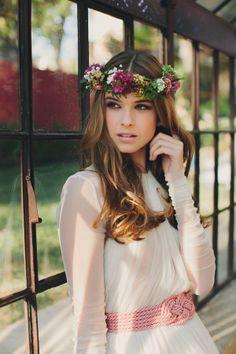 A very elegant and natural look for your wedding! (GREENHOUSES · Nº07 Tendencias de Bodas Magazine · Foto, Luis Cabeza · Organización, The Wedding Makers)