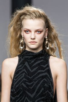Topshop Unique, Spring 2017 - London's Must-See Runway Jewelry for Spring 2017 - Photos
