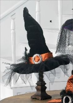 This is for the Black Hat with Orange Trim. Halloween Crafts To Sell, Halloween News, Halloween 2019, Holidays Halloween, Vintage Halloween, Halloween Pumpkins, Halloween Diy, Halloween Candles, Halloween Stuff