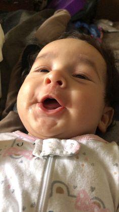 Baby Love 💖 The cutest little gossip ever! Cute Little Baby, Cute Baby Girl, Little Babies, Baby Love, Cute Babies, Bebe Rexha, Cute Baby Videos, Beautiful Black Babies, Baby Memes