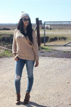 Sweater Weather in the Country - The Life She Created Blog #fashion #sweater #personalstyle #ootd #fashionbloggers #fashionnova