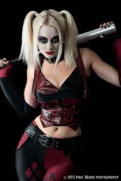 Character: Harley Quinn (Dr. Harleen Quinzel) / From: Warner Bros. Interactive Entertainment's 'Batman: Arkham City' Video Game / Cosplayer: Romanie Smith / Photo: Paul Beard Photography