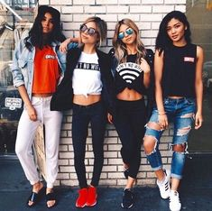 Find images and videos about girl, style and outfit on We Heart It - the app to get lost in what you love. Tumblr Bff, Ft Tumblr, Best Friend Pictures, Friend Photos, Squad Pictures, Group Pictures, Mode Lookbook, Mein Style, Best Friend Goals