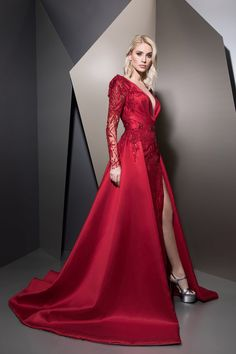 MaySociety — Ziad Nakad Ready To Wear Fall/Winter Award Show Dresses, Gala Dresses, Spring Dresses, Red Fashion, Fashion Dresses, Elegant Dresses, Nice Dresses, Prom Dress Couture, Best Gowns