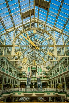 St Stephen's Green shopping mall in Dublin.  Photo by Kim Jansson.