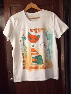 Hand painted T-shirt with cat. Painted by hand t by AHouseAtelier