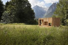 Modern retreat in Bavarian Alps, Germany. Designed by Florian Schwarz. Photographed by Julien Lanoo.