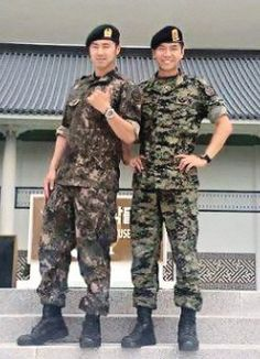 Lee Seung Gi And TVXQ's Yunho Meet Up In The Military | Soompi
