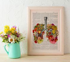 Ilustrações florais mixadas com o corpo humano, dando uma nova vida e utilidade à antigos dicionários