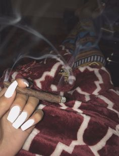 have you ever rolled a blunt before 🤤? Weed Girls, 420 Girls, Night Aesthetic, Bad Girl Aesthetic, Girl Smoking, Smoking Weed, Rauch Fotografie, Alcohol Aesthetic, Gangster Girl