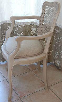 photos restauration de si ges anciens voltaire cabriolet chaise medaillon fauteuil medaillon. Black Bedroom Furniture Sets. Home Design Ideas