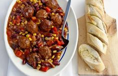 Mexicaanse gehaktballetjes Meat Recipes, Mexican Food Recipes, Healthy Recipes, Ethnic Recipes, Chicken Curry, Eat Lunch, Mexican Party, Tex Mex, Tapas