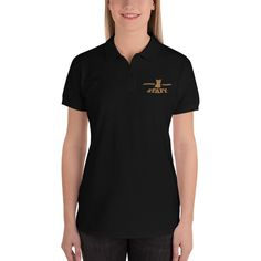 This semi-fitted women's polo shirt is just the right mix of relaxed and sporty for a brunch with friends, a long walk, or an evening on the sofa. And the stylish embroidery will definitely turn heads! Thin Blue Line Flag, Thin Blue Lines, Polo Shirt Women, T Shirts For Women, Warriors Shirt, Gsw Warriors, Mama Shirt, Professional Look, Hooded Sweatshirts