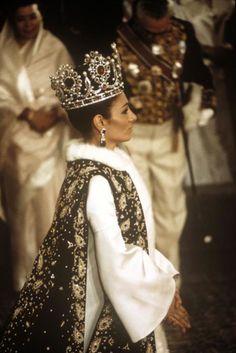 Empress Farah Diba ( coronation ceremonies 1967)