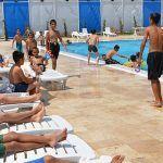 Türkoğlu'nda Yüzme Havuzlarına İlgi Yoğun