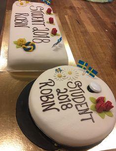 Bildresultat för student tårta Goodies, Birthday Cake, Desserts, Graduation, Food, Inspiration, Students, Sweet Like Candy, Tailgate Desserts