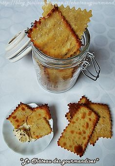 Crackers con farina di ceci e rosmarino Cooking Bread, Easy Cooking, Amouse Bouche, Sweet Recipes, Vegan Recipes, My Favorite Food, Favorite Recipes, Weird Food, Food Humor