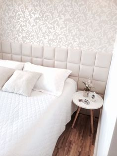 Cabeceira estofada: Conforto e delicadeza na decoração Girls Bedroom, Room, Home Decor Bedroom, Home N Decor, Home Bedroom, Home Decor, Home Deco, Girls Headboard, Bedroom