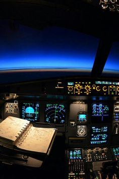 Luck Is Probability Taken Personally Pilot Aviation And Planes - Airline captain takes amazing photos from his cockpit and no theyre not photoshopped