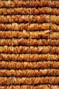 Cinnamon Baklava Rolls | Cleobuttera Baklava Dessert, Baklava Recipe, Arabic Dessert, Arabic Food, Arabic Sweets, Cake Ingredients, Homemade Tacos, Homemade Taco Seasoning, Sweets