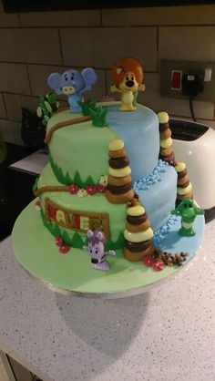 My raa raa cake for my boy x Jungle Theme Parties, Party Themes, Lion Cakes, Puddings, First Birthdays, Baking, Tv, Desserts, Food