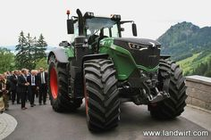 Showing off the new 500hp Fendt 1050