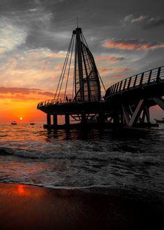 Puerto Vallarta Sunset - more on Puerto Vallarta at: www.puertovallarta.net #vallarta #puertovallarta #mexico #pier #jalisco