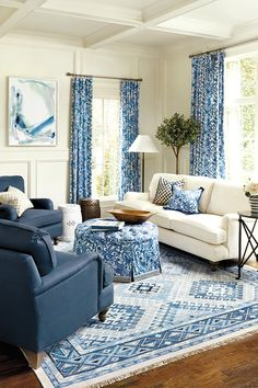 Blue Living Room Decor - How can I decorate my living room with a blue couch? Blue Living Room Decor - What color walls go with blue furniture? Blue Living Room Sets, Blue And White Living Room, Coastal Living Rooms, Blue Rooms, Living Room Sofa, Living Room Interior, Living Room Furniture, Living Room Decor, Navy Furniture
